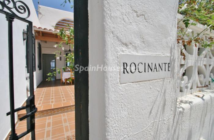 entrada28 - Gran chalet de 6 dormitorios con vistas a la Isla de San Andrés, Carboneras (Almería)