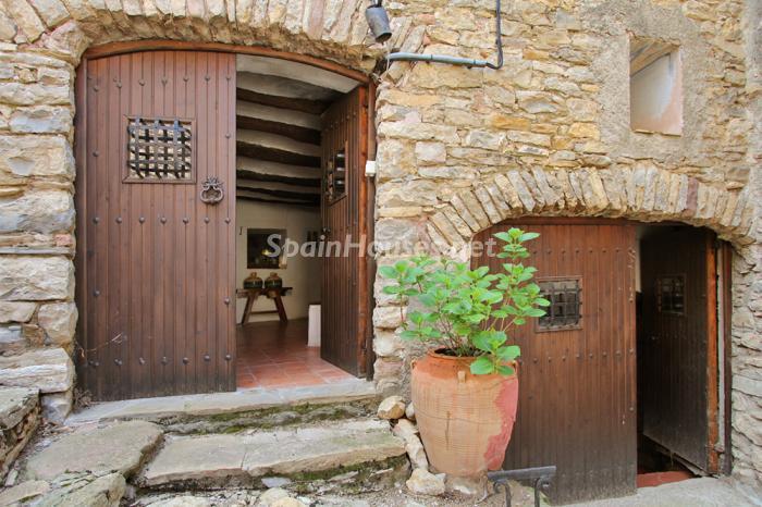 entrada5 - Casa de la Semana: Genial casa medieval en el Pirineo, para los amantes de la montaña