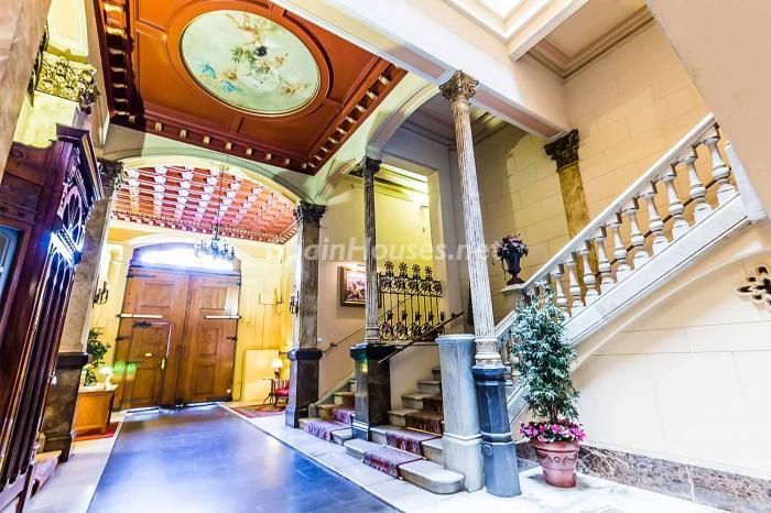 entrada8 - Elegante y luminoso piso en el Eixample más señorial de Barcelona