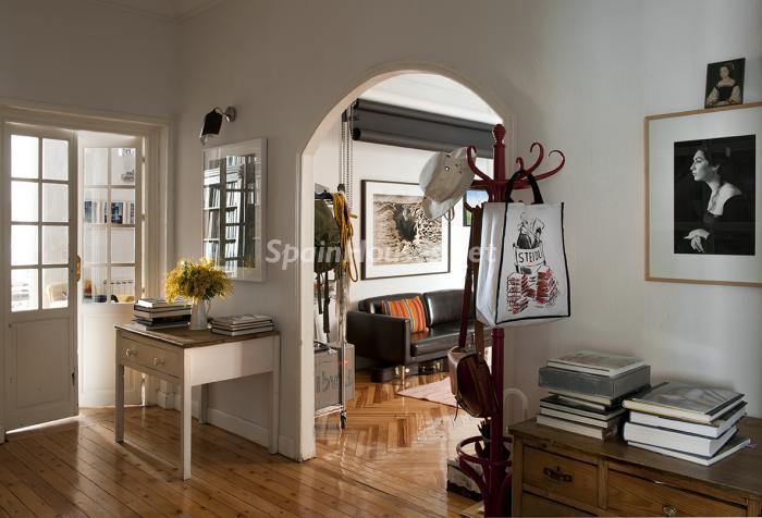 entradasalon - Precioso piso lleno de amplitud y estilo en el centro de Madrid