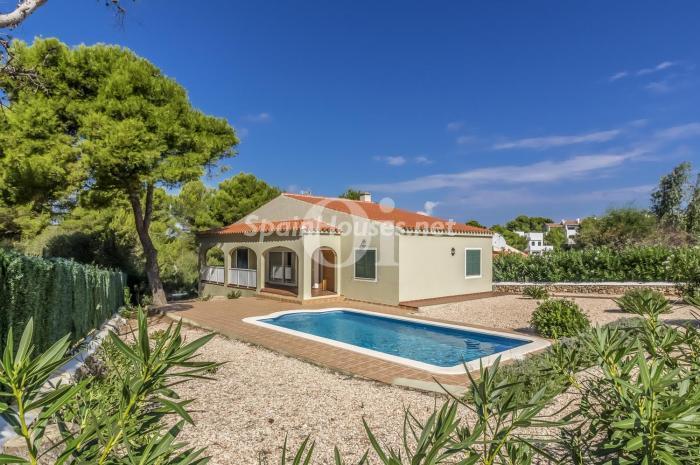 esmercadal menorca - Verde, sol y mar: 19 fantásticas viviendas a buen precio en campos de golf en España