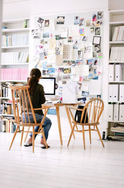 """espacio de trabajo con inspiración decoratualma dta 397x600 - Deco: Tips para organizar tu """"working room"""" o zona de trabajo"""