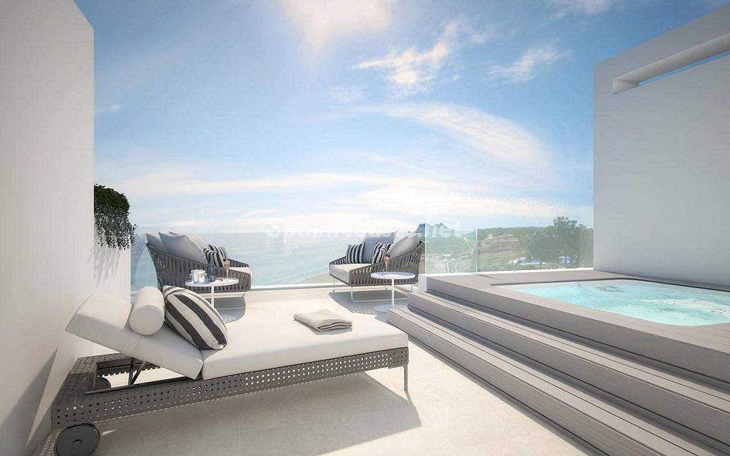 estepona malaga 11 1024x640 - Veranos de lujo en 19 espectaculares terrazas junto al mar