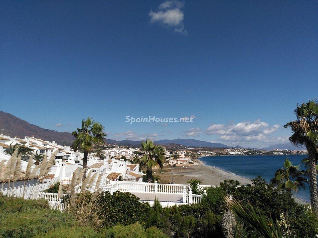 estepona malaga 9 1024x767 - 20 pisos en la costa con vistas al mar por menos de 200.000 euros