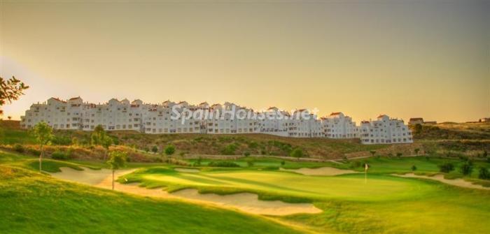 estepona1 - Verde, sol y mar: 19 fantásticas viviendas a buen precio en campos de golf en España