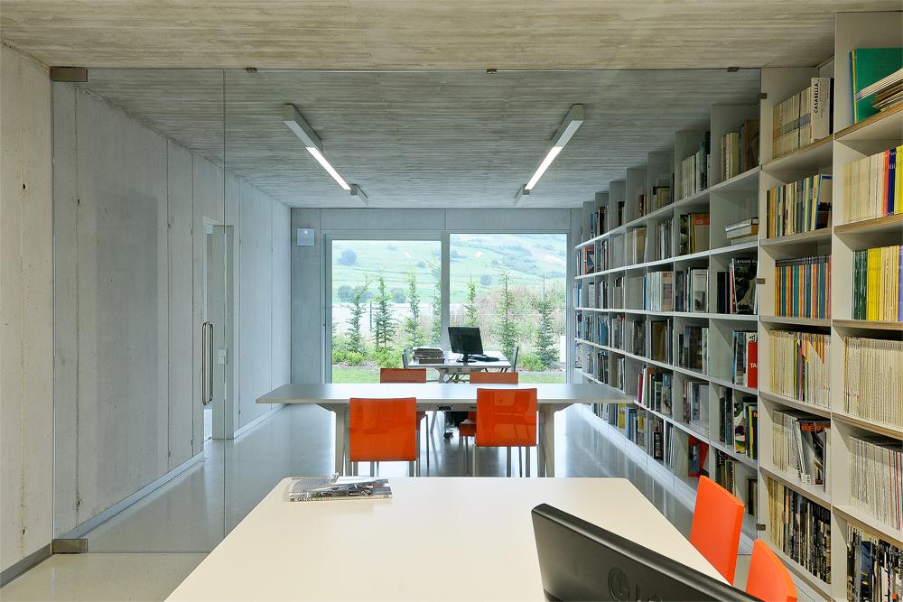 estudio - Interesante casa de estilo industrial entre los verdes campos de Cantabria