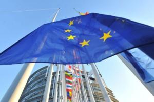 eurocamara 300x199 - El Parlamento Europeo aprueba la primera norma contra el abuso de las hipotecas