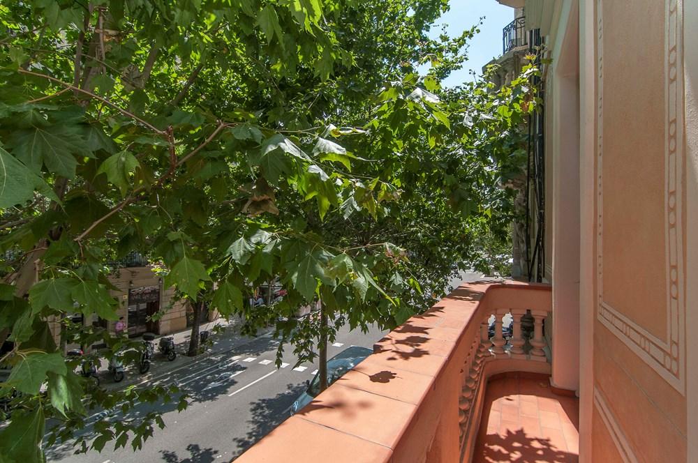 exterior 5 - Piso modernista en el Eixample (Barcelona): fusión espectacular de luz y elegancia
