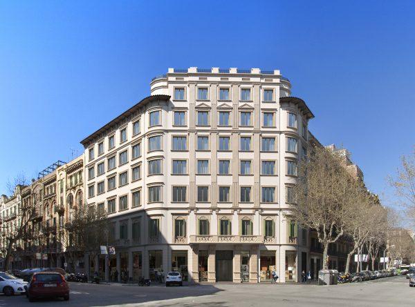 exterior B v05 600x445 - La unión de historia y lujo en pleno centro de Barcelona