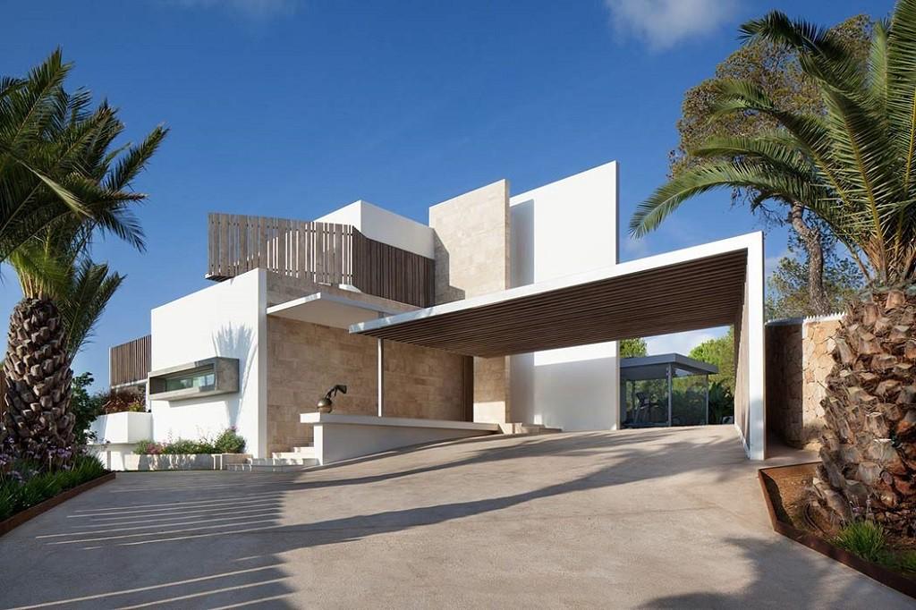exterior casa 1 1024x682 - Espectacular y moderna villa en Roca LLisa (Ibiza): sereno minimalismo con vistas