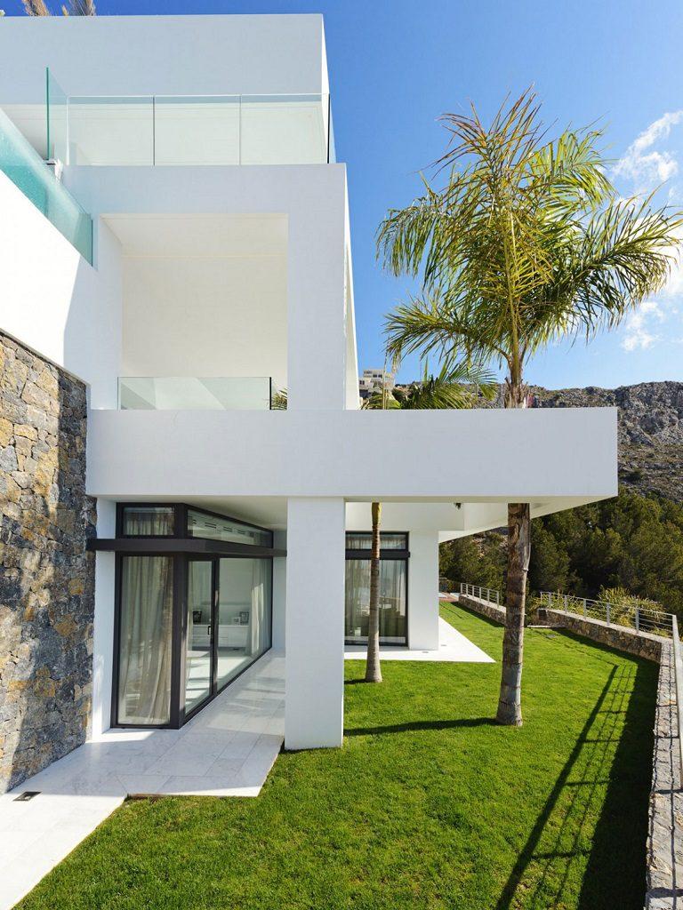 exterior terrazas 768x1024 - Altea Hills: Villas de diseño mediterráneo con vistas al mar en Costa Blanca (Alicante)