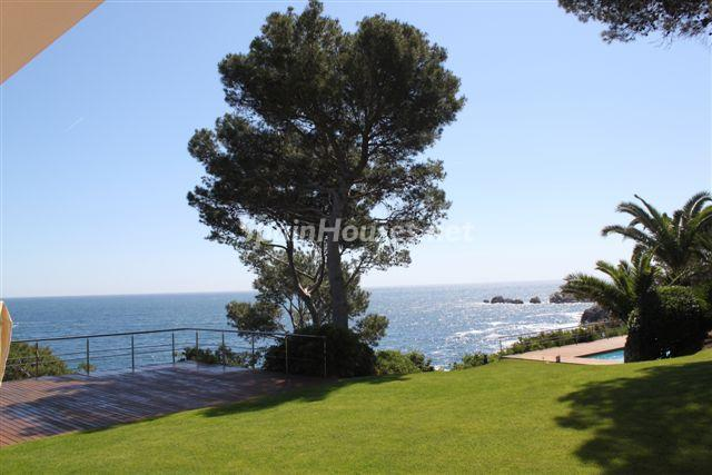 exterior vistas11 - Fantástica casa de lujo junto al mar en Cala de Aiguafreda, Begur (Costa Brava, Girona)
