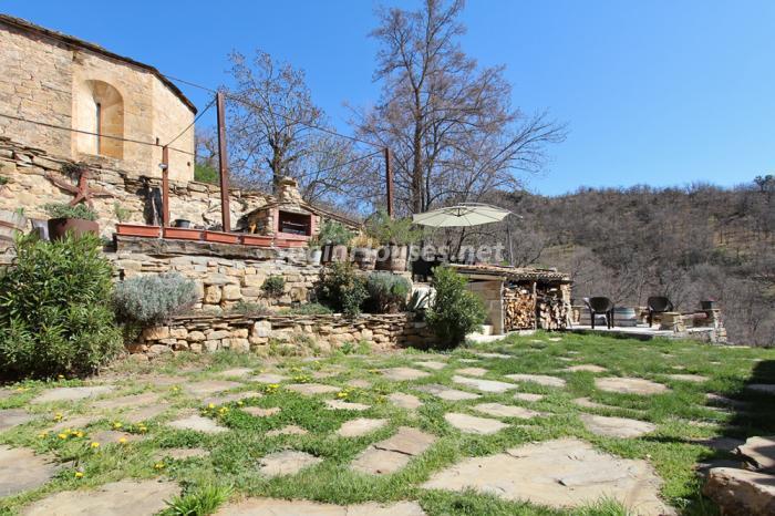exterior20 - Otoño y naturaleza en una preciosa casa tradicional en Ribagorza, el Pirineo de Huesca