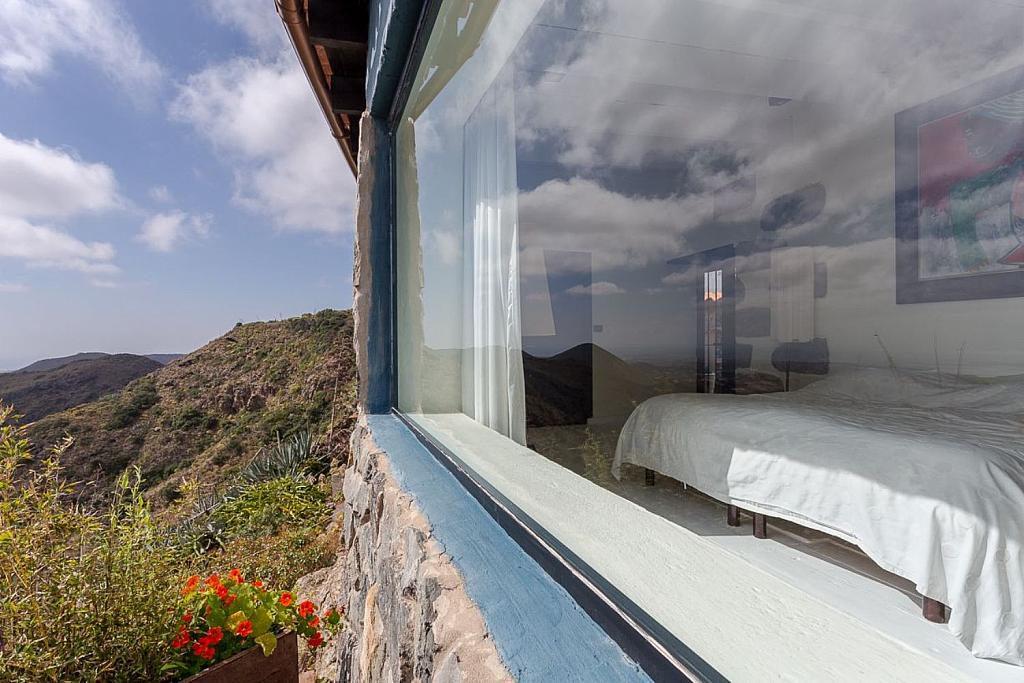 exteriordormitorio 1024x683 - Elegante y sereno toque otoñal en una bonita casa en Tafira, Las Palmas de Gran Canaria