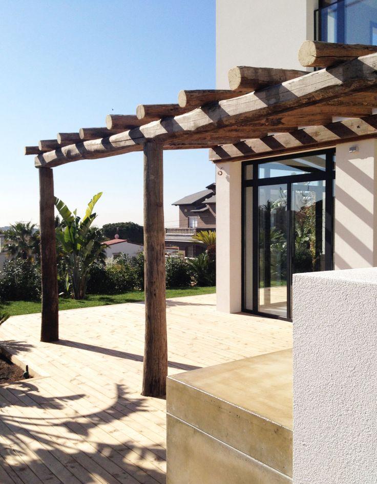 exteriorpergola - Fantástica casa llena de luz y elegante sencillez en Badalona (Barcelona)