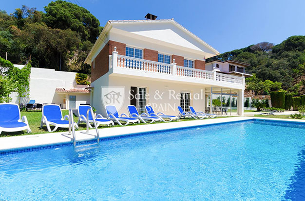 foto piscina chalet con piscina en Gerona - Fantástico chalet con piscina en Gerona: un sueño hecho realidad