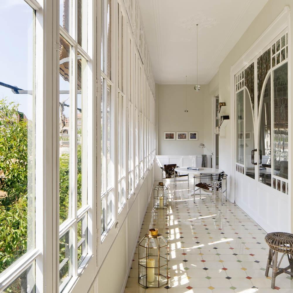 """galeria terraza - Toque """"Art Novou"""" con jardín en una elegante casa modernista en Barcelona"""