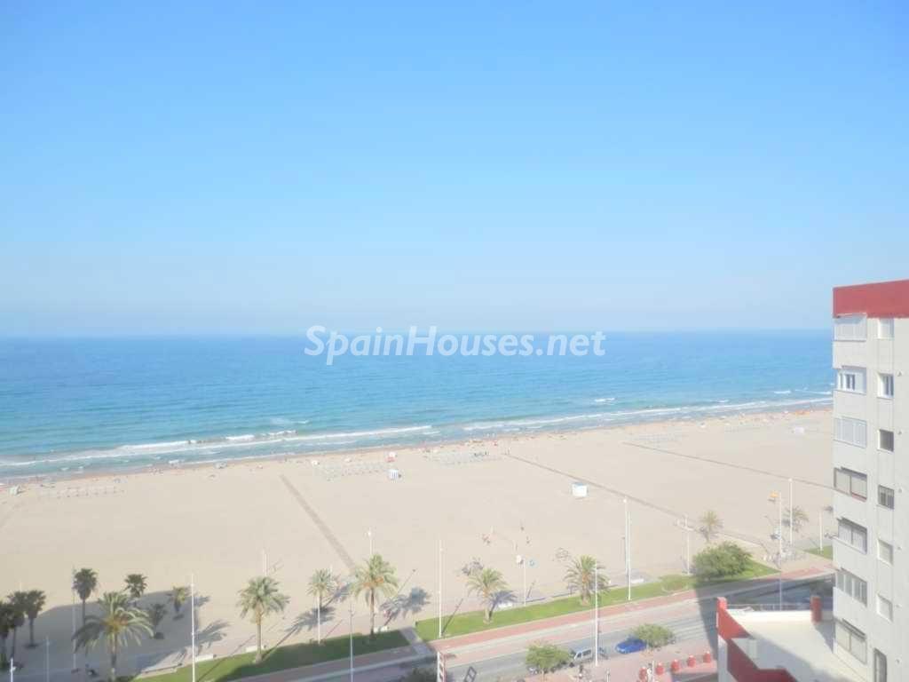 gandia valencia 3 1024x768 - 20 pisos en la costa con vistas al mar por menos de 200.000 euros