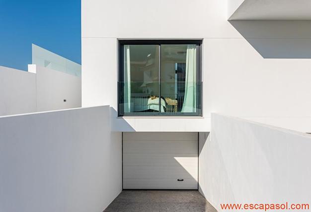 garaje 2 - Villa de lujo en Alicante: luminosa y muy espaciosa