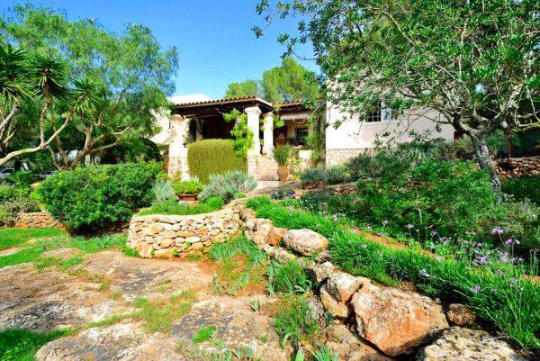 garden6 600x401 - ¿Casa con jardín? Aquí tienes algunos tips para poner a prueba tu creatividad
