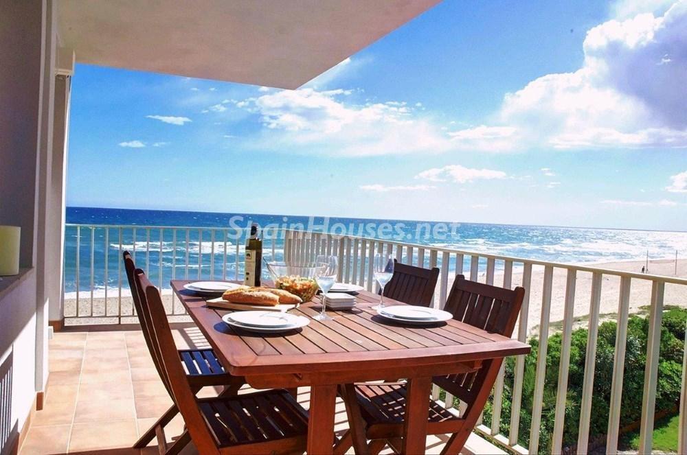 gava barcelona 1 - Primera línea de playa: 12 pisos y apartamentos en alquiler para vivir junto al mar