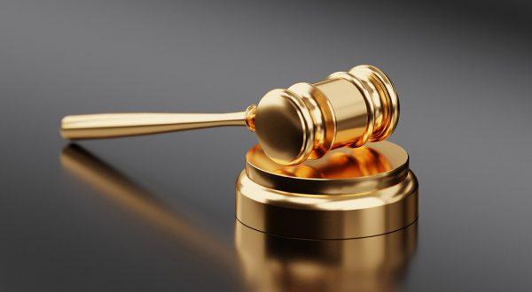 gavel 3577254 960 720 600x330 - El Supremo decidirá quien debe pagar el impuesto de las hipotecas el 5 de Noviembre