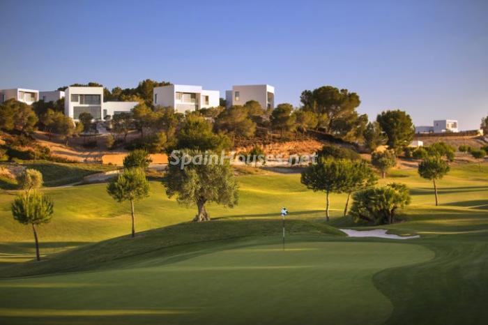 golf1 - Diseño moderno a píe de golf en una preciosa villa en Orihuela, Costa Blanca (Alicante)