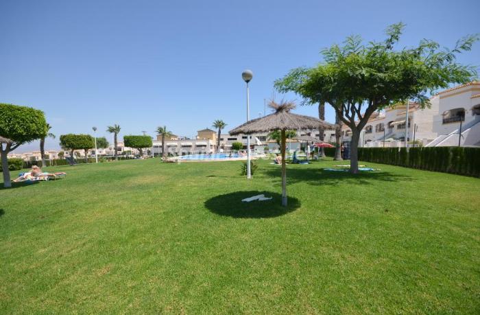 granalacant - 15 bonitos pisos de 3 dormitorios con jardines y piscina por menos de 150.000 euros