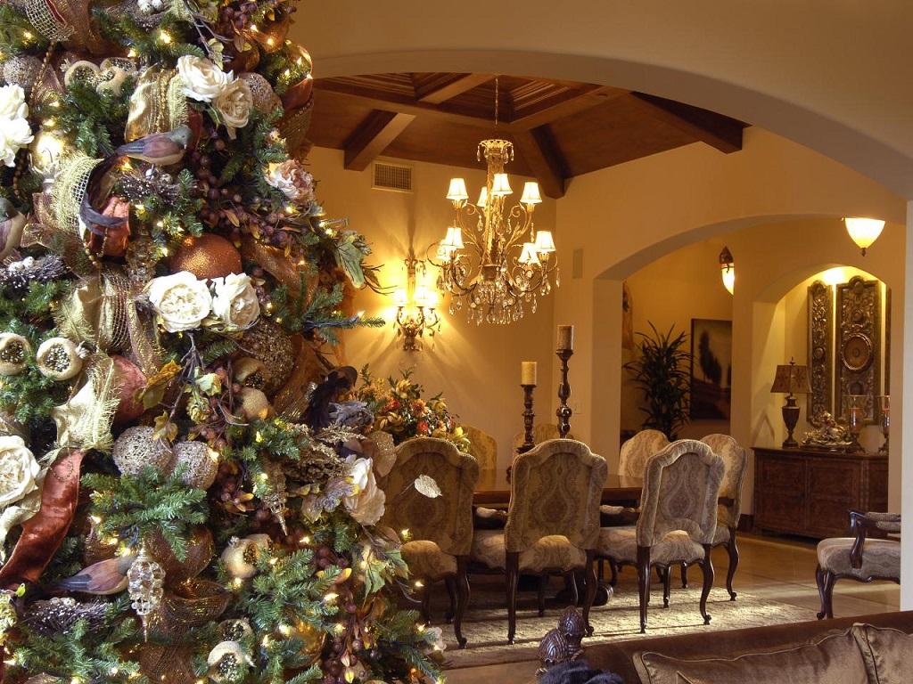 hgtv - Decorar el árbol de navidad con flores: un ambiente fresco con un resultado espectacular