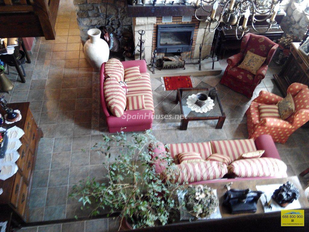 hondarribia gupuzcoa 1024x768 - Rústico y urbano: 11 viviendas con cálidos rincones otoñales de sabor vintage