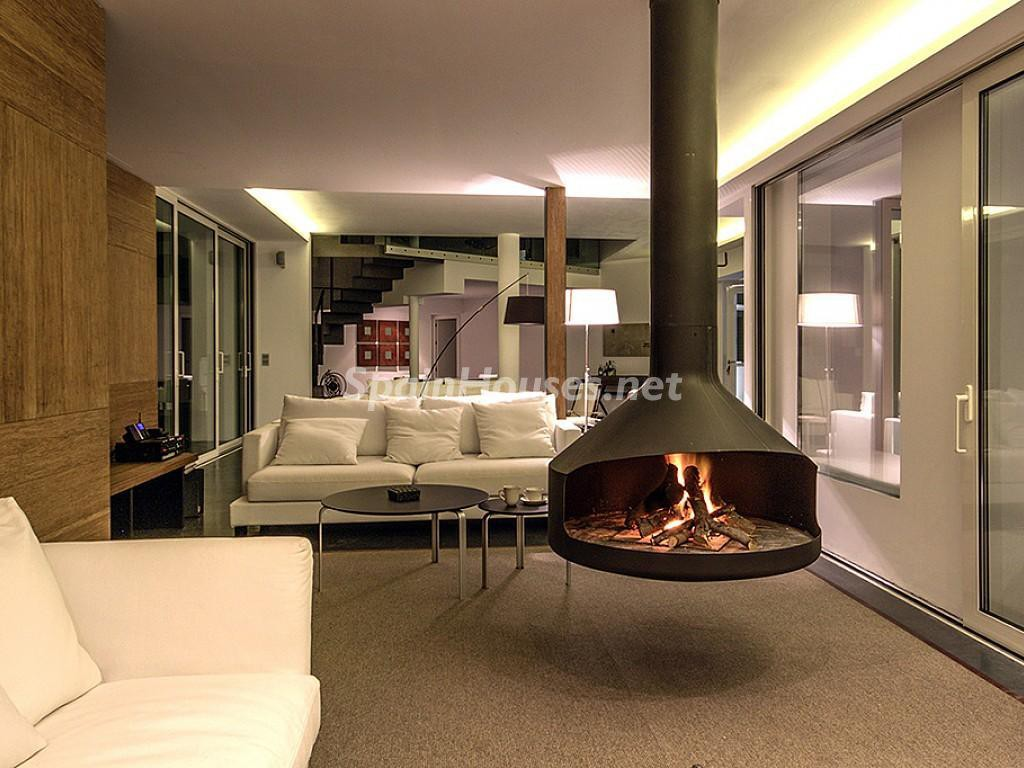 ibiza baleares 1 1024x768 - 16 fantásticas casas con chimenea y rincones de calidez para los últimos días del invierno