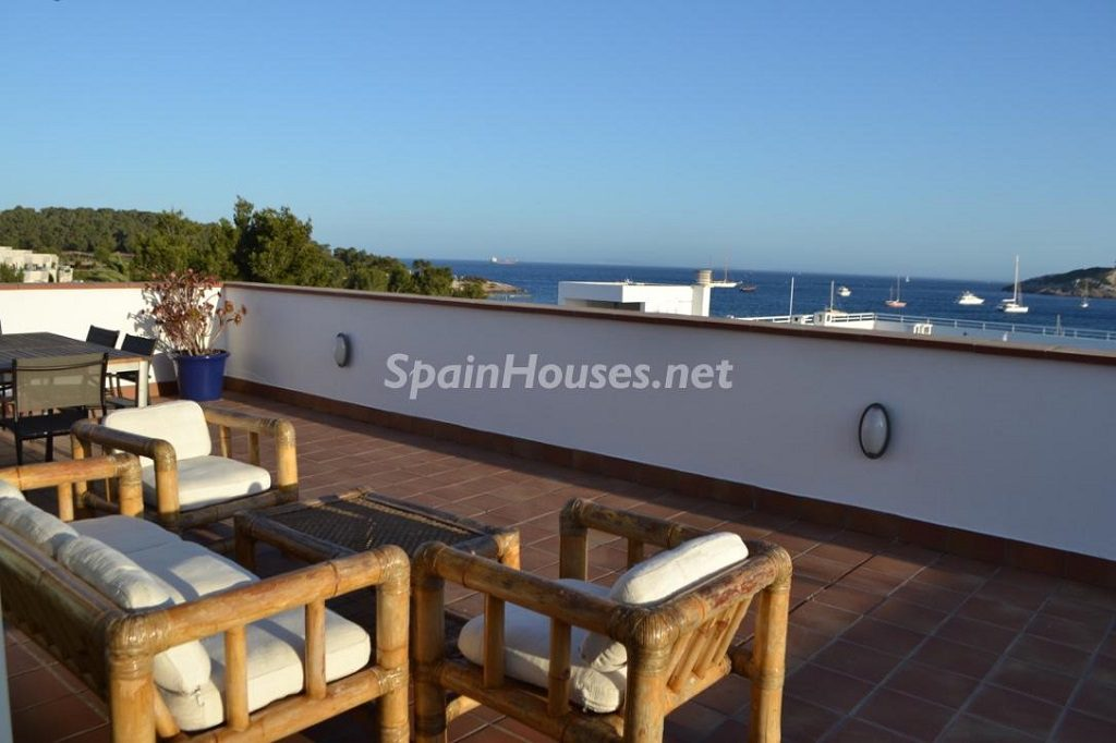 ibiza baleares 12 1024x682 - 23 viviendas de vacaciones perfectas para Semana Santa: playa, mar y naturaleza