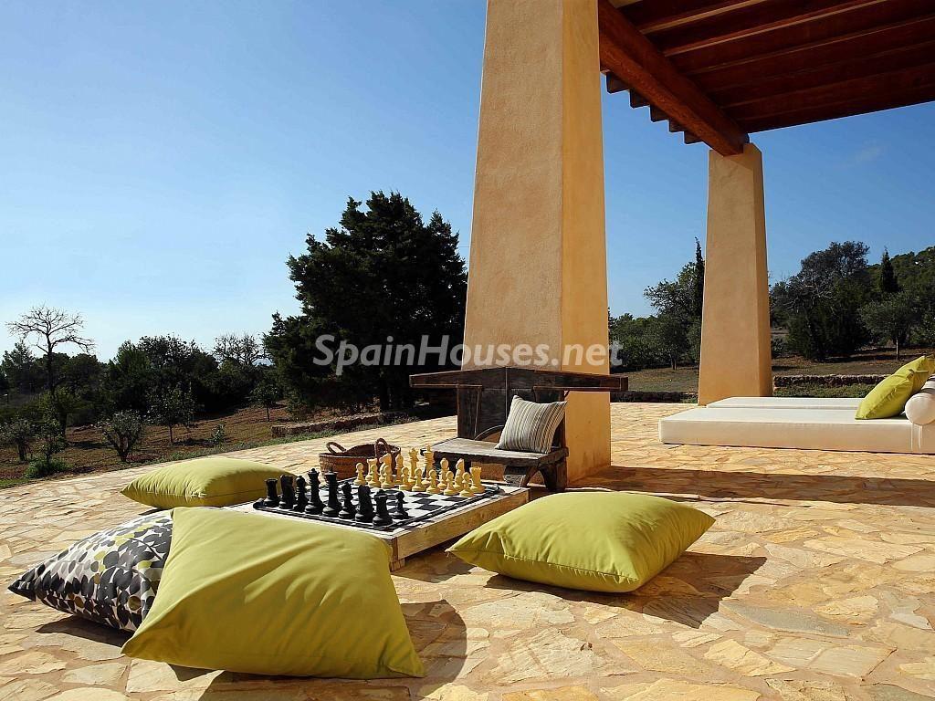 ibiza baleares 8 1024x768 - Porche, piscina, hamaca o tumbona: 15 rincones de verano para el descanso y el relax