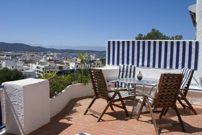ibiza baleares3 - Áticos: espectaculares terrazas con un bonito toque urbano o fantásticas vistas al mar