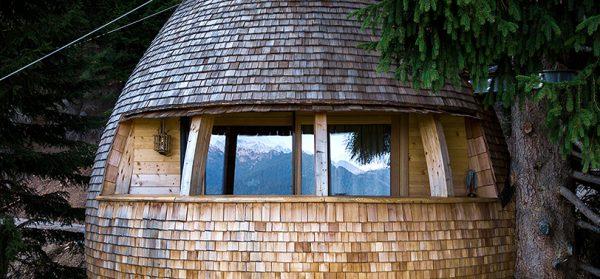 img 2 1506619047 4f401cdea2ae0b26ccd1264fa579505a 600x279 - ¿Imaginas pasar la noche en una casa colgante en medio de los Alpes Italianos?