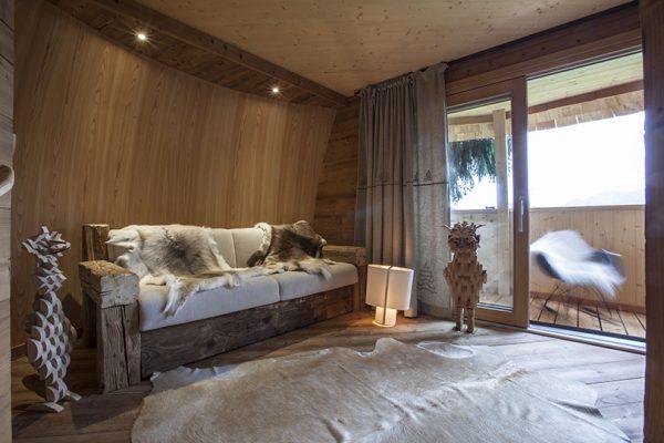 img 7 1506619047 cc7196f03a645dc43d744058e2daa174 600x400 - ¿Imaginas pasar la noche en una casa colgante en medio de los Alpes Italianos?