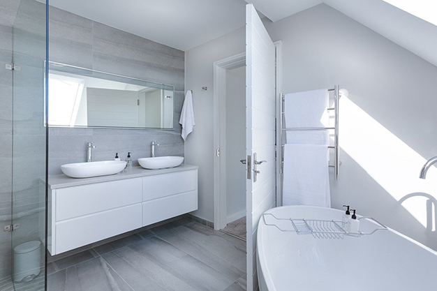 instalaciones bano - Reformar el baño: en qué gastar para que merezca la pena