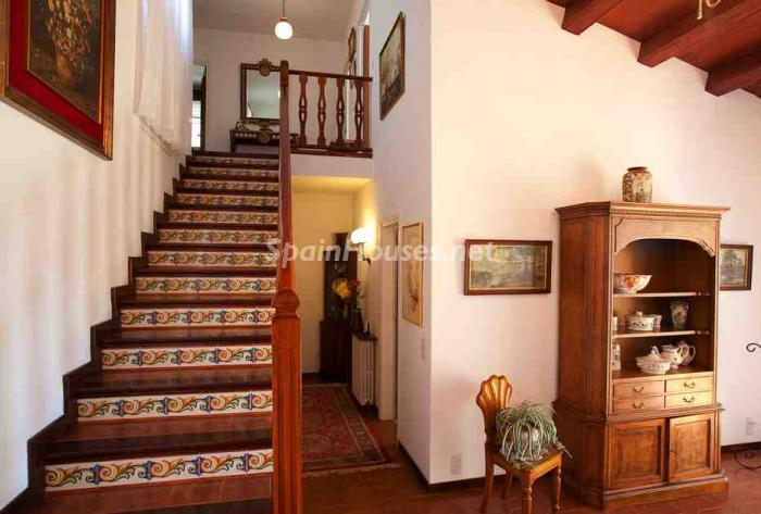 Detalle interior y escaleras