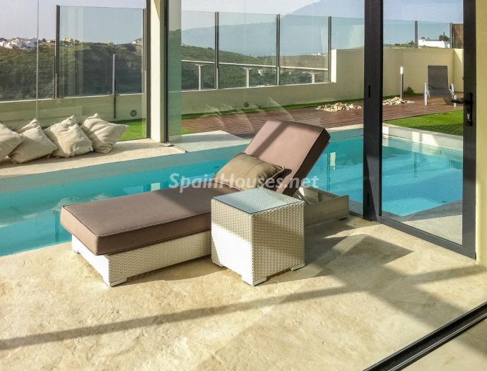interior piscina - Precioso chalet de diseño contemporáneo en Las Palmas de Gran Canaria