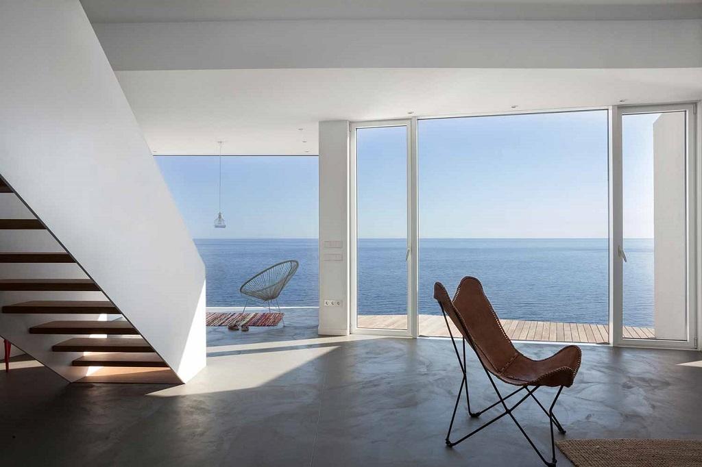 """interior vistas1 - """"Casa Girasol"""" en Costa Brava, o las múltiples y geniales vistas entre la montaña y el mar"""