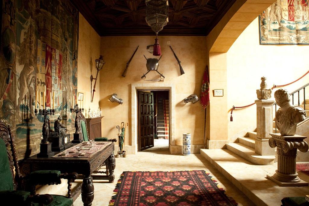 interior13 - El Palacio de las Dueñas en Sevilla, la propiedad más querida de la Duquesa de Alba