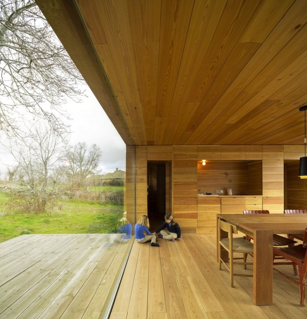 interior15 - Genial casa de diseño moderno y minimalista en los campos de Castilla