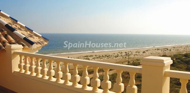 isla cristina - A la caza de gangas: 14 apartamentos baratos en la playa con espectaculares vistas al mar