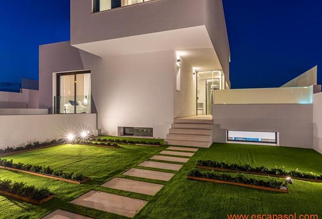 jardín 1 1 - Villa de lujo en Alicante: luminosa y muy espaciosa