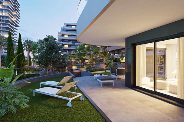 jardín - Moderno apartamento en Málaga, primera línea de playa