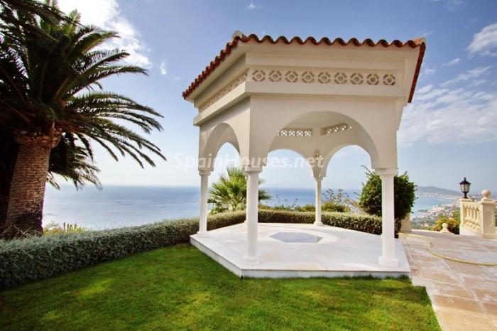 jardin2 - Casa de la Semana: Espectacular villa palaciega en Altea, Costa Blanca