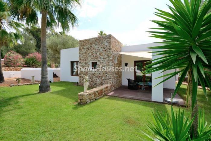 jardin9 - Bonita villa en Santa Eulalia (Ibiza, Baleares): toque mediterráneo y mucha privacidad