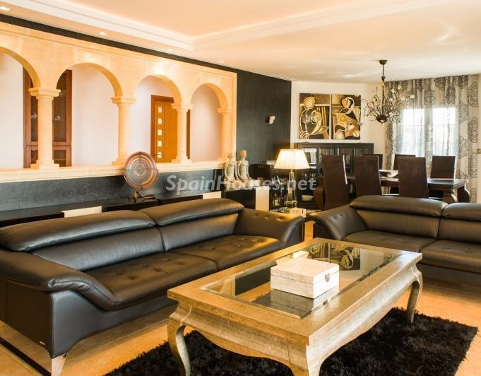 javea alicante 4 - Toque clásico y moderno en 11 cálidos salones de elegante lujo otoñal