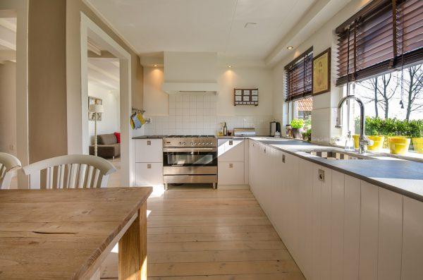 kitchen 2165756 960 720 600x397 - Errores que debes evitar al reformar la cocina