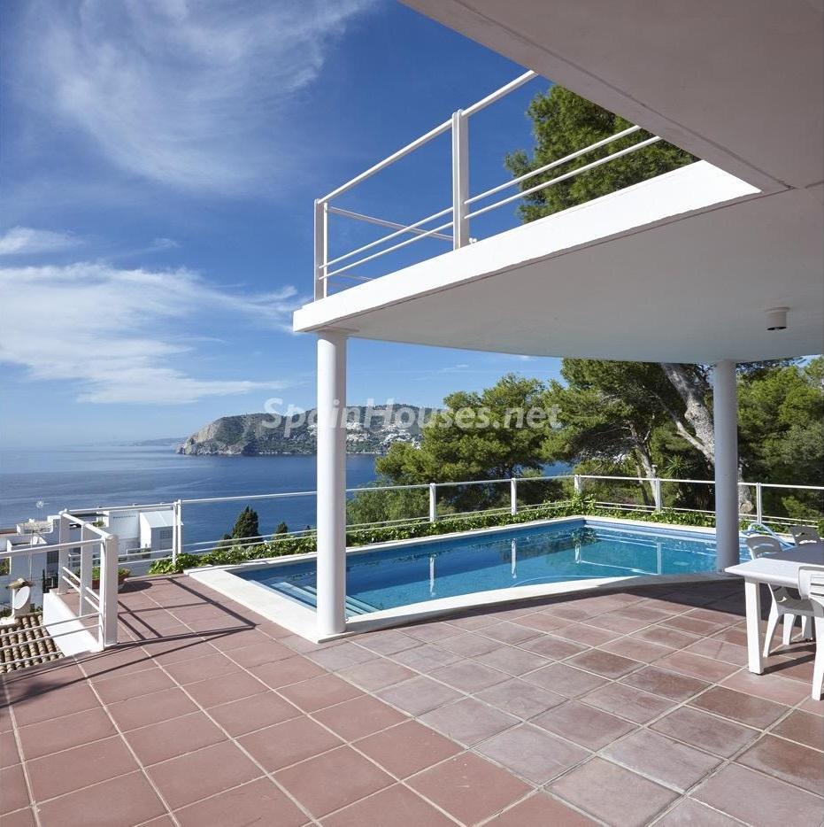 laherradura granada 3 - Fantásticas piscinas de otoño en 14 geniales casas ideales para despedir el verano